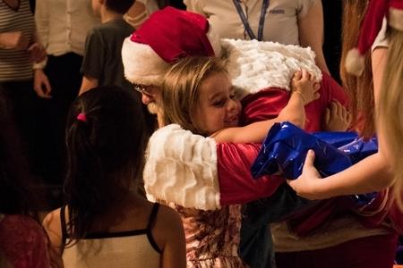 Doação de brinquedos marcou realização do espetáculo Brincando de Natal