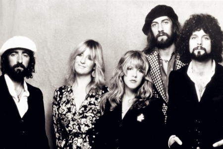 "Fleetwood Mac compartilha versão alternativa da deliciosa ""Monday Morning"""