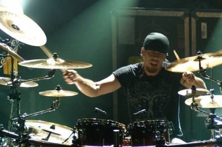 Nightwish anuncia a saída do baterista original Jukka Nevalainen